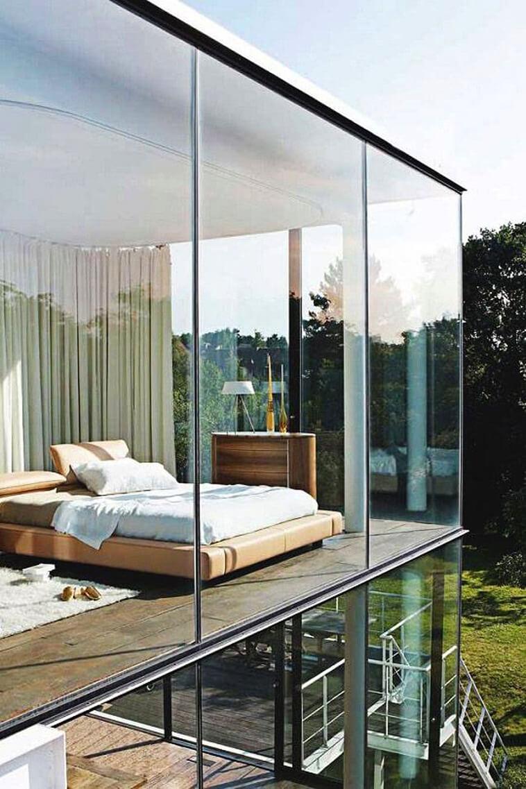 glazen gevel moderne woning