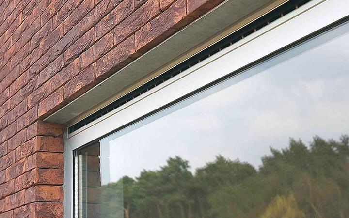 Ventilatieroosters in ramen voor een ventilatiesysteem C 2